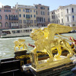 Gold lion of gandolas in Venice, Italy — Stock Photo