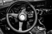"""Paaren glien im, Germania - 26 maggio: cabina di spitfire di trionfo auto (bianco e nero), """"the show oldtimer"""" in mafz, 26 maggio 2012 in paaren im glien, Germania — Foto Stock"""