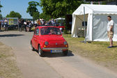 "PAAREN IM GLIEN, GERMANY - MAY 26: The Fiat 500, ""The oldtimer show"" in MAFZ, May 26, 2012 in Paaren im Glien, Germany — Photo"