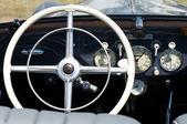 "PAAREN IM GLIEN, GERMANY - MAY 26: Cab Mercedes-Benz 230, ""The oldtimer show"" in MAFZ, May 26, 2012 in Paaren im Glien, Germany — Stock fotografie"