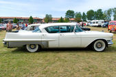 """PAAREN IM GLIEN, GERMANY - MAY 26: Cars Cadillac Sixty Special, """"The oldtimer show"""" in MAFZ, May 26, 2012 in Paaren im Glien, Germany — Stock Photo"""