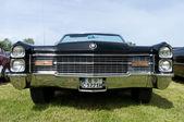 ":PAAREN IM GLIEN, GERMANY - MAY 26: Cars Cadillac Eldorado Convertible, ""The oldtimer show"" in MAFZ, May 26, 2012 in Paaren im Glien, Germany — Stock Photo"