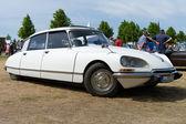 PAAREN IM GLIEN GERMANY - MAY 26: Cars Citroen DS The oldtimer show in MAFZ May 26 2012 in Paaren im Glien Germany — ストック写真