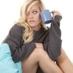 Woman bed mug look side — Stock Photo #11952805