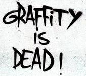 Graffiti jest zmarły znak — Zdjęcie stockowe