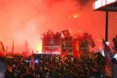 Benfica Bus merges with the crowd — Stock Photo