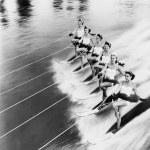 妇女滑水的行 — 图库照片