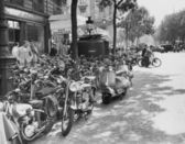 Street scene in Paris, August 23, 1953 — Stock Photo