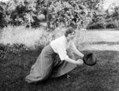 Femme jouant au baseball — Photo