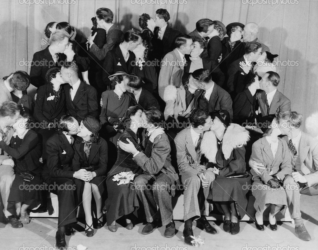 KISSING CONTEST — Stock Photo #12284382