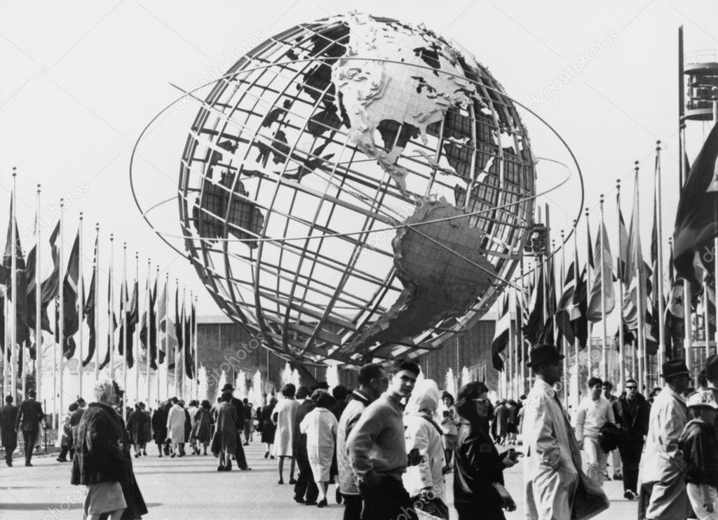 The Unisphere, symbol of the New York 1964-65 World's Fair. Flushing Meadow Park, New York — Stock Photo #12287772