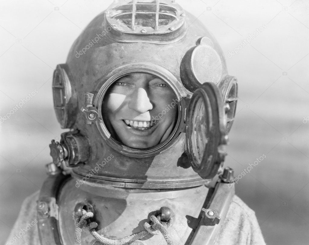 Portrait of man in diving helmet — Stock Photo #12289617
