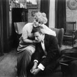 Woman consoling a sad man — Stock Photo