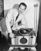 Man with record player — Stock Photo