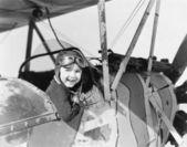 飛行機のコックピットの中で少年 — ストック写真