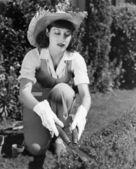 Hedge de aparamento de mulher — Foto Stock