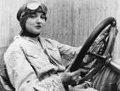 Portrait of female driver — Foto de Stock