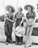 Three Women going fishing with huge hats — Stok fotoğraf