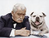 Portret van mens en hond — Stockfoto