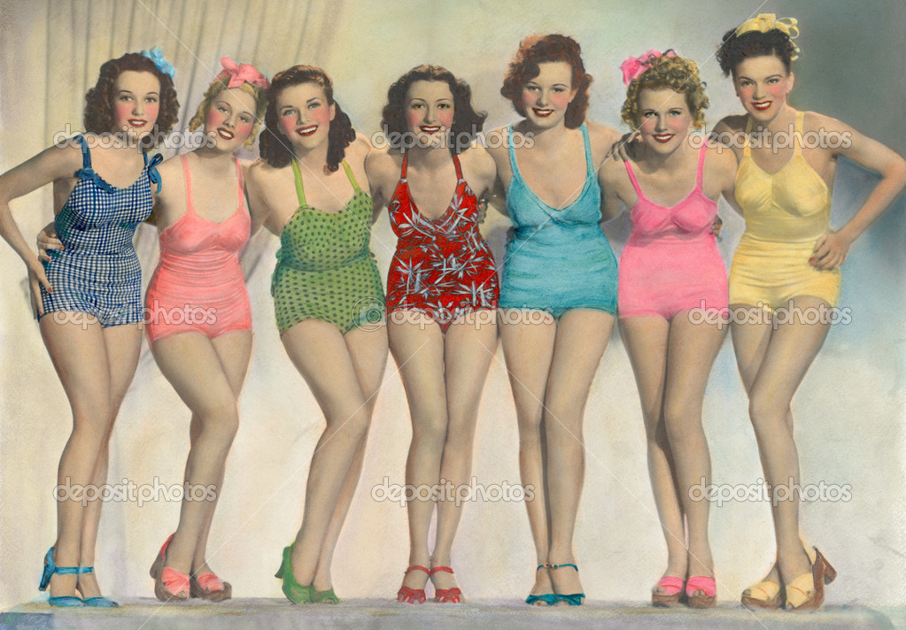 Women posing in bathing suits — Stock Photo #12301997
