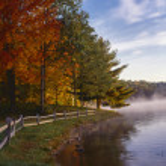 Autumn on lake george — Stock Photo #12206982