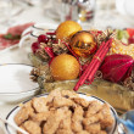 Christmas table arrangement — Stock Photo #12208273