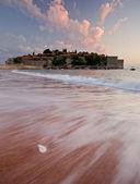 Playa frente sveti stefan — Foto de Stock