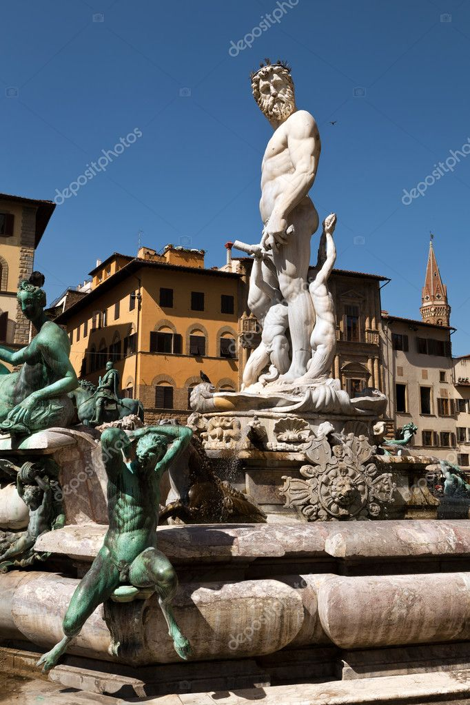 The Fountain of Neptune in Florence, Italy — Stock Photo #12403246