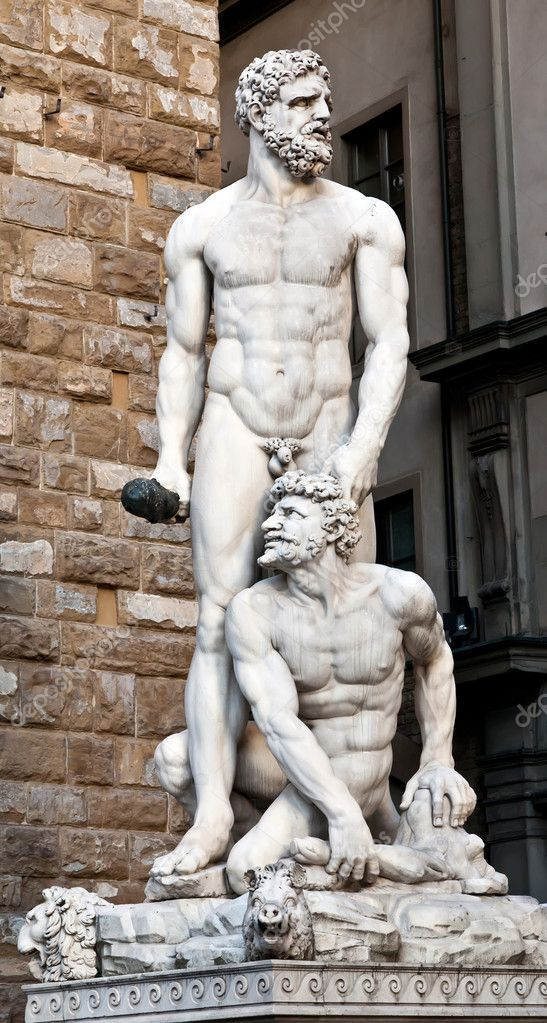 Statue of Hercules and Cacus by Bandinelli  (1533) in Florence, Italy — Stock Photo #12403273