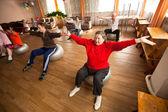 Sağlık sosyal hizmetler merkezinde, emekliler ve devre dışı otrada için gün — Stok fotoğraf