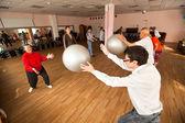 день здоровья в центре социальных служб для пенсионеров и инвалидов отрада — Стоковое фото