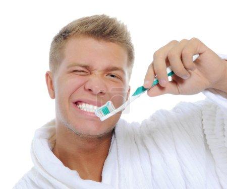 他刷牙的人
