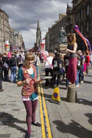 Постер, плакат: Performers at Edinburgh Festival, холст на подрамнике