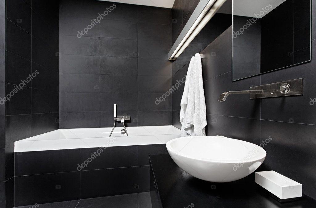 Moderner minimalismus stil badezimmer interieur in schwarz und