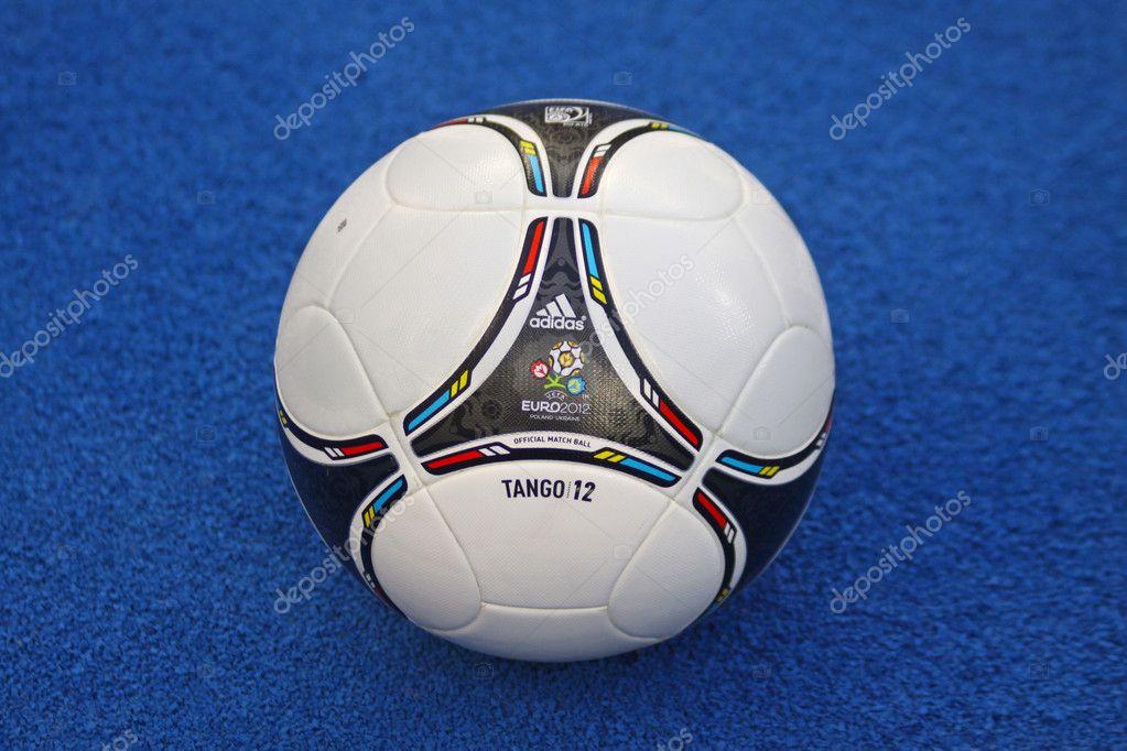 bola de 2012 do close-up oficial uefa euro — Fotografia de Stock ... 49c1b938ea8b5