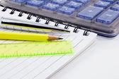zápisník, tužka a Kalkulačka