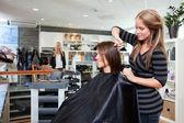 Fotografie vlasy kadeřnictví řídnoucí zákazníka
