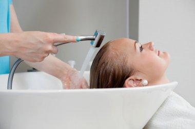 Hair Wash At Beauty Salon