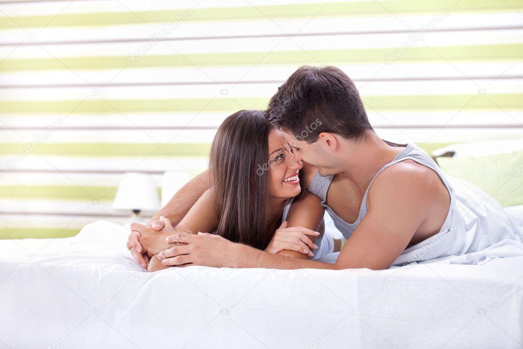 студенти в постели