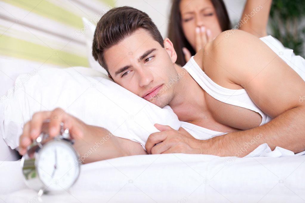 Resultado de imagen de alarma en pareja