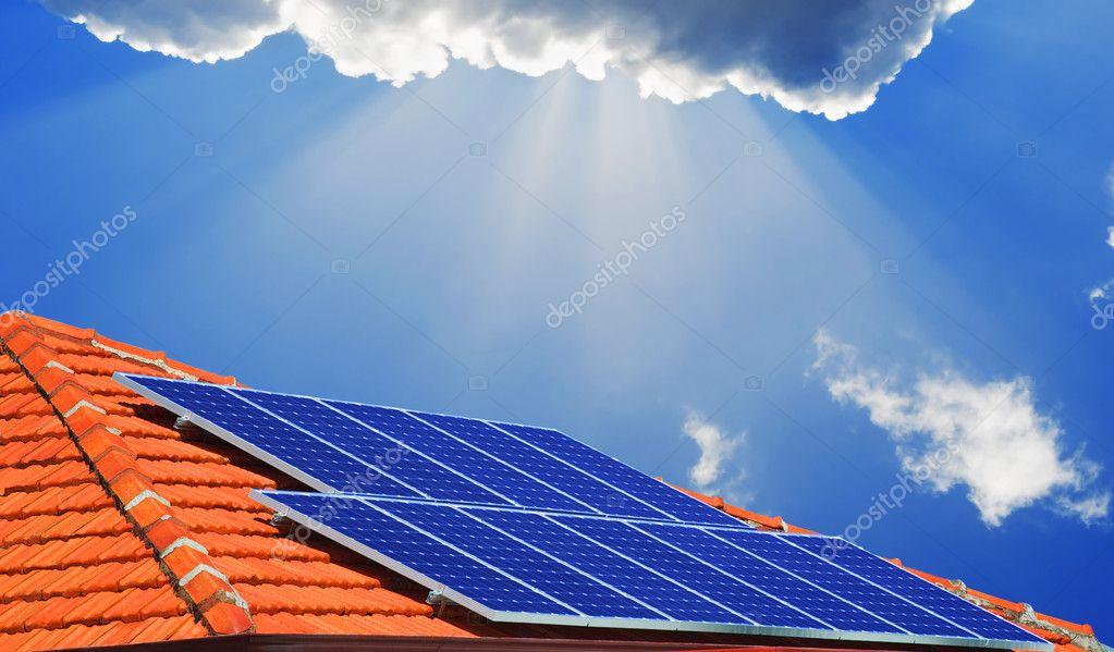 Pannelli solari foto stock levkro 12151013 for Pannelli solari immagini