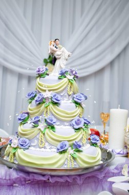 Layered wedding cake
