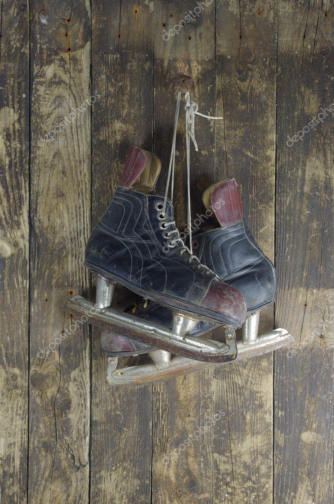 картинки с коньками на гвозде наверняка