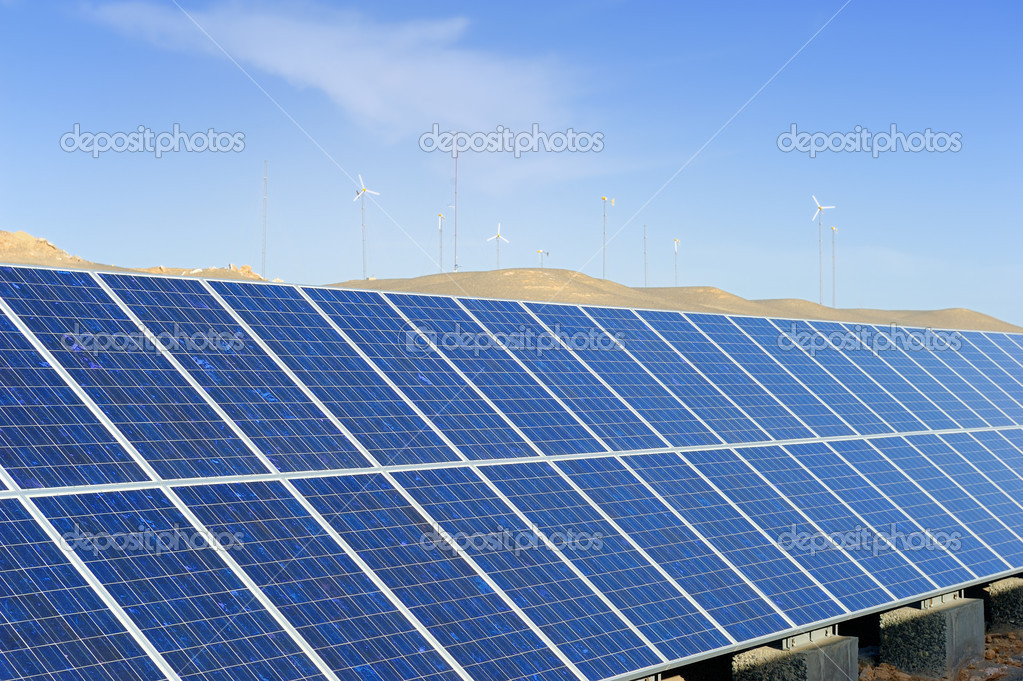 Solar Panel Mit Wüste Haus U2014 Stockfoto