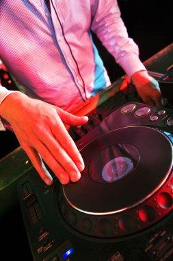 Mixing DJ