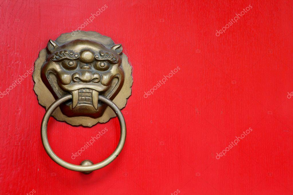 poign e de porte avec sculpture de visage de lion en bronze antique photographie zhudifeng. Black Bedroom Furniture Sets. Home Design Ideas