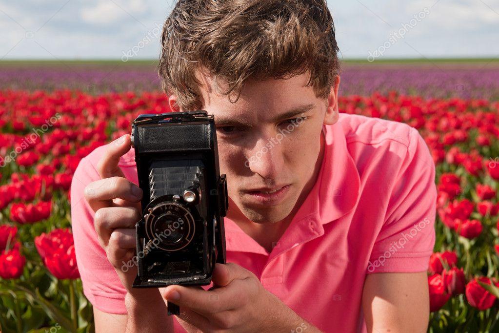 Ремонт пленочные фотокамеры стал один