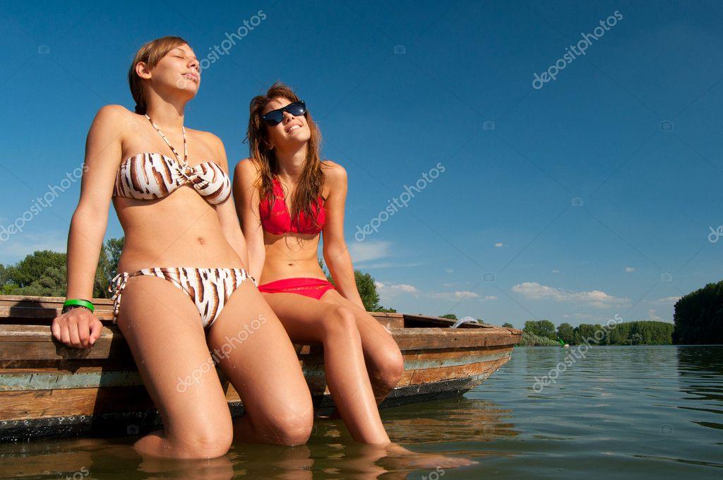 Sweet teenage girl sunbathing — img 12