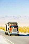 camion a road, california, Amerikai Egyesült Államok
