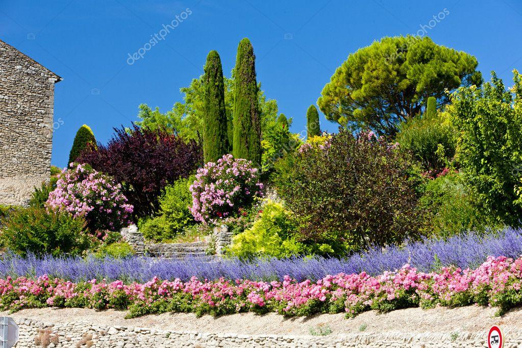 Garten Provence garten bei gordes provence frankreich stockfoto phb cz 11424297